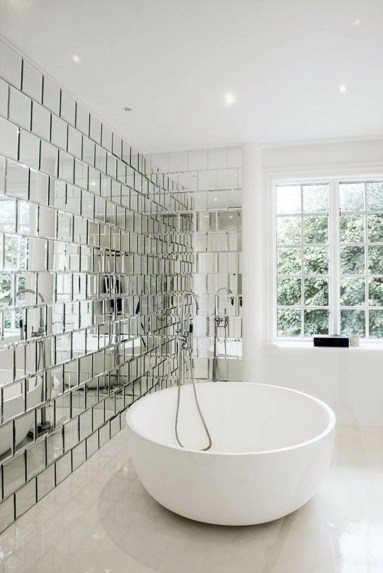 Stunning Bathroom Tiles Ideas for Small Bathrooms (45)