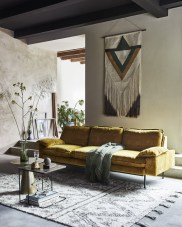 Eclectic And Quirky Living Room Decor Styling Ideas (16)
