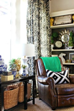 Eclectic And Quirky Living Room Decor Styling Ideas (19)