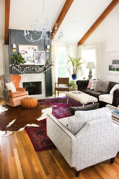 Eclectic And Quirky Living Room Decor Styling Ideas (3)