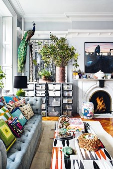 Eclectic And Quirky Living Room Decor Styling Ideas (35)
