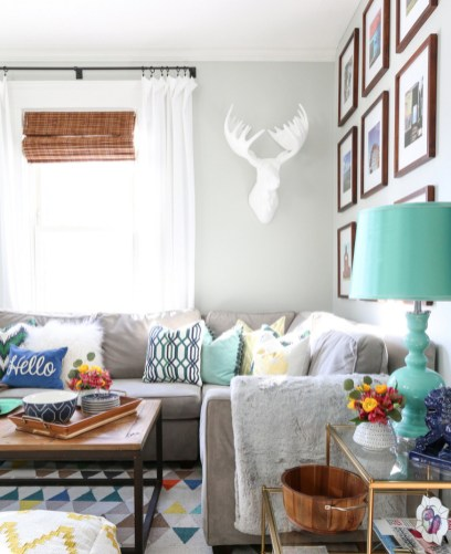 Eclectic And Quirky Living Room Decor Styling Ideas (7)