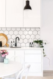 Kitchen Tile Backsplash Ideas Suitable For Your Kitchen (21)