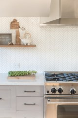 Kitchen Tile Backsplash Ideas Suitable For Your Kitchen (56)