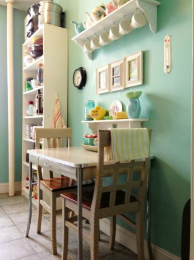 Small Country Kitchen Table And Chairs