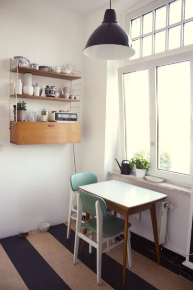 Small Kitchen Breakfast Table And Chairs Wall Decor