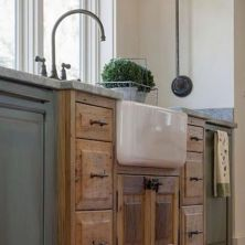 +41 To Consider For Farmhouse Kitchen Cabinets Design Ideas 32