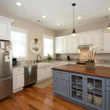 +41 To Consider For Farmhouse Kitchen Cabinets Design Ideas 58