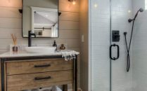 46+That Will Motivate You Farmhouse Bathroom Colors Rustic 39