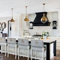 35+ Natural Rustic And Classic Glam Kitchen Decorating Ideas 167