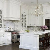 35+ Natural Rustic And Classic Glam Kitchen Decorating Ideas 203