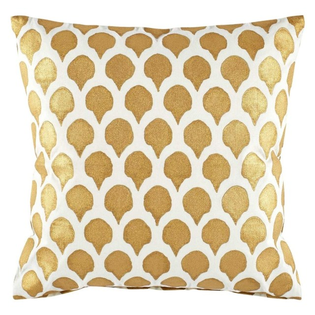 Charming Pillow Decorative Ideas To Apply Asap 20