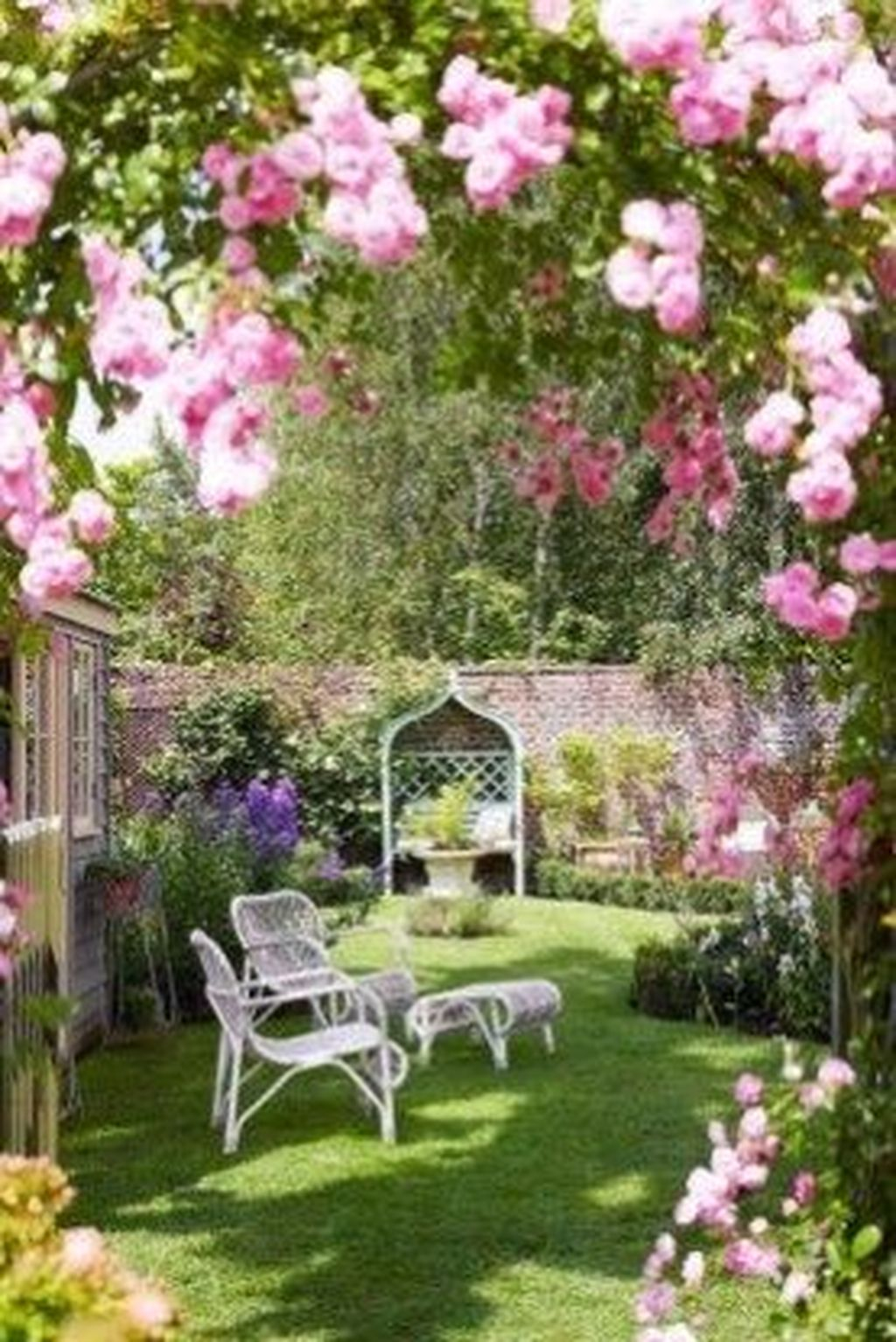 Amazing Garden Design Ideas For Small Space To Try 13