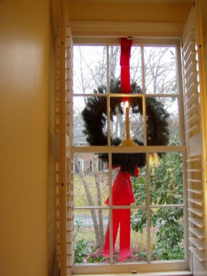 Beautiful Window Decorating Ideas For Christmas 07