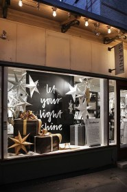 Beautiful Window Decorating Ideas For Christmas 13