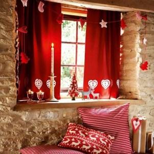 Beautiful Window Decorating Ideas For Christmas 30