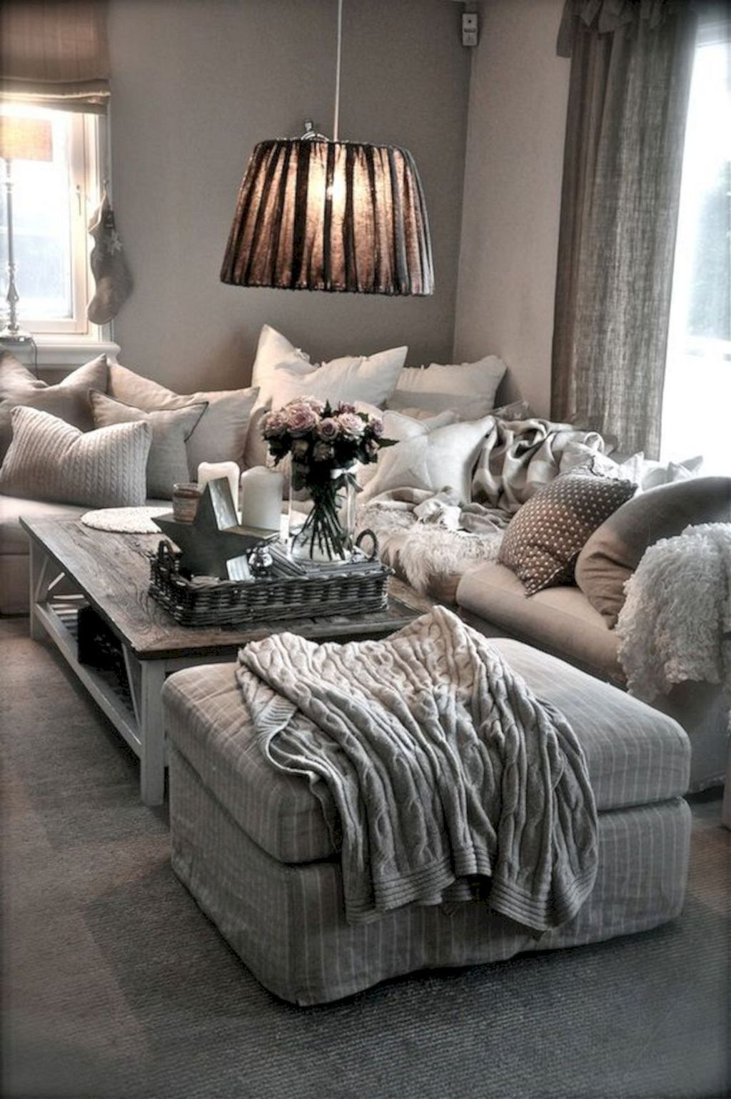 Best Tiny Living Room Design Ideas That Trend Nowaday 04