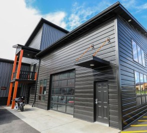 Cool Metal Buildings Design Ideas For Stylish Buildings 25