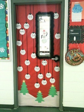 Creative Christmas Door Decoration Ideas To Inspire You 11
