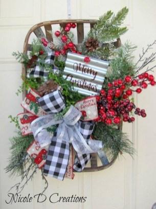 Creative Christmas Door Decoration Ideas To Inspire You 21