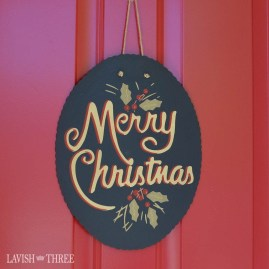 Creative Christmas Door Decoration Ideas To Inspire You 24