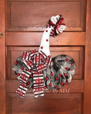 Creative Christmas Door Decoration Ideas To Inspire You 30