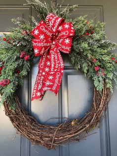 Creative Christmas Door Decoration Ideas To Inspire You 35