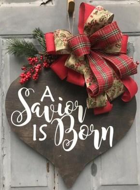 Creative Christmas Door Decoration Ideas To Inspire You 37