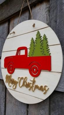 Creative Christmas Door Decoration Ideas To Inspire You 39