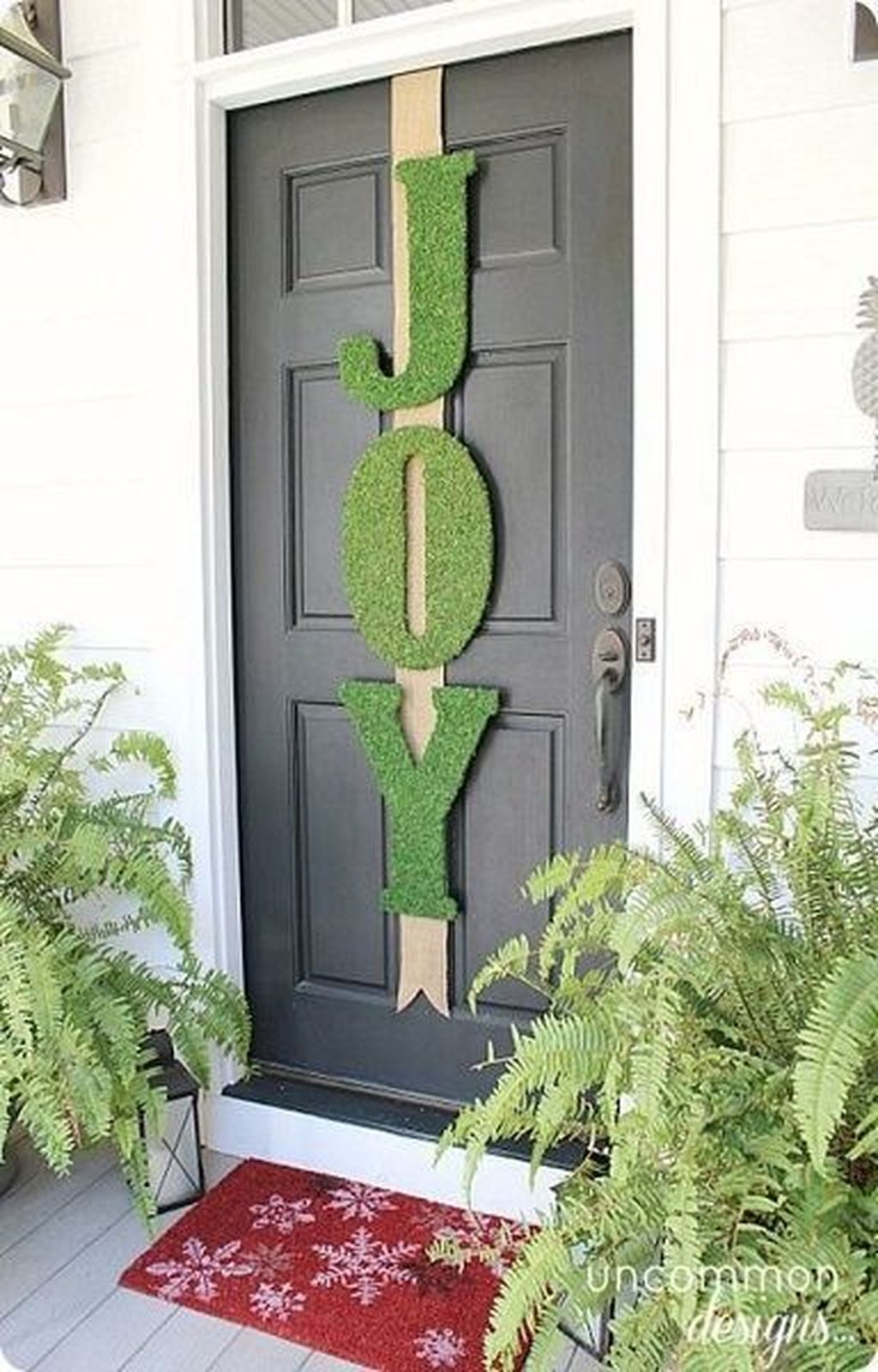Creative Christmas Door Decoration Ideas To Inspire You 40