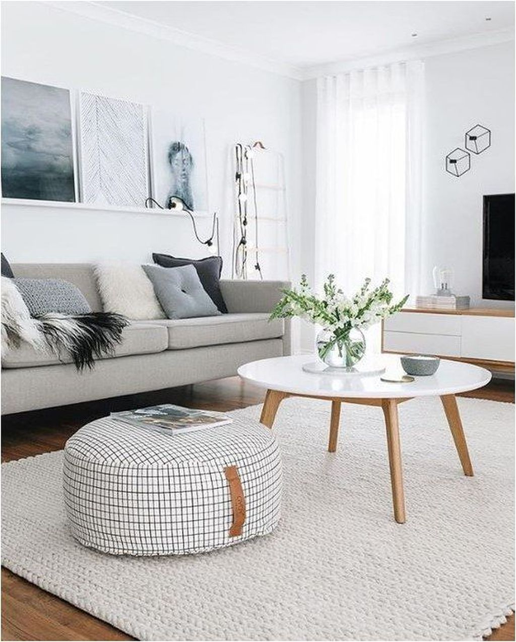 Enchanting Living Room Decor Ideas That Trending This Winter 03
