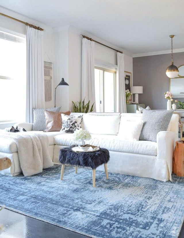 Enchanting Living Room Decor Ideas That Trending This Winter 29