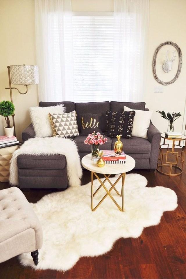 Enchanting Living Room Decor Ideas That Trending This Winter 38