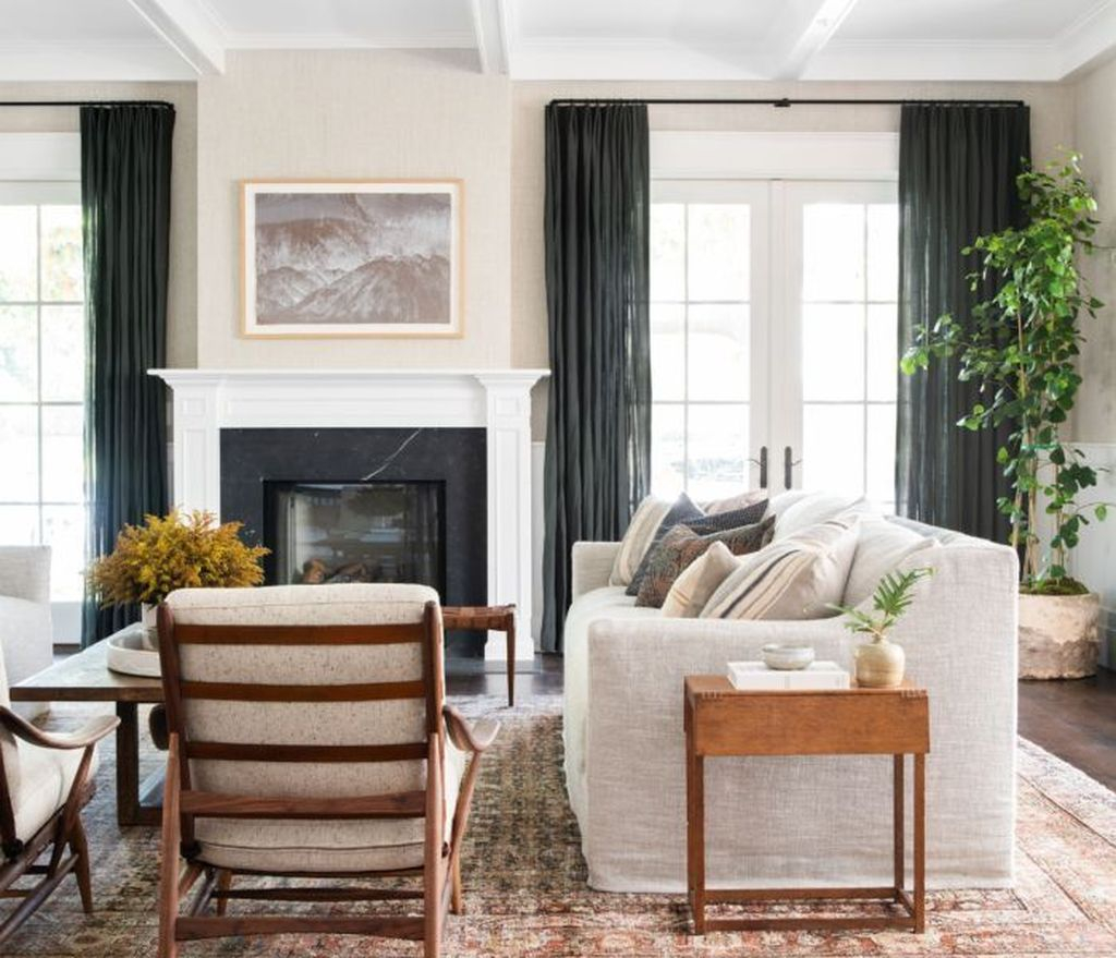 Inexpensive Living Room Curtain Design Ideas On A Budget 06