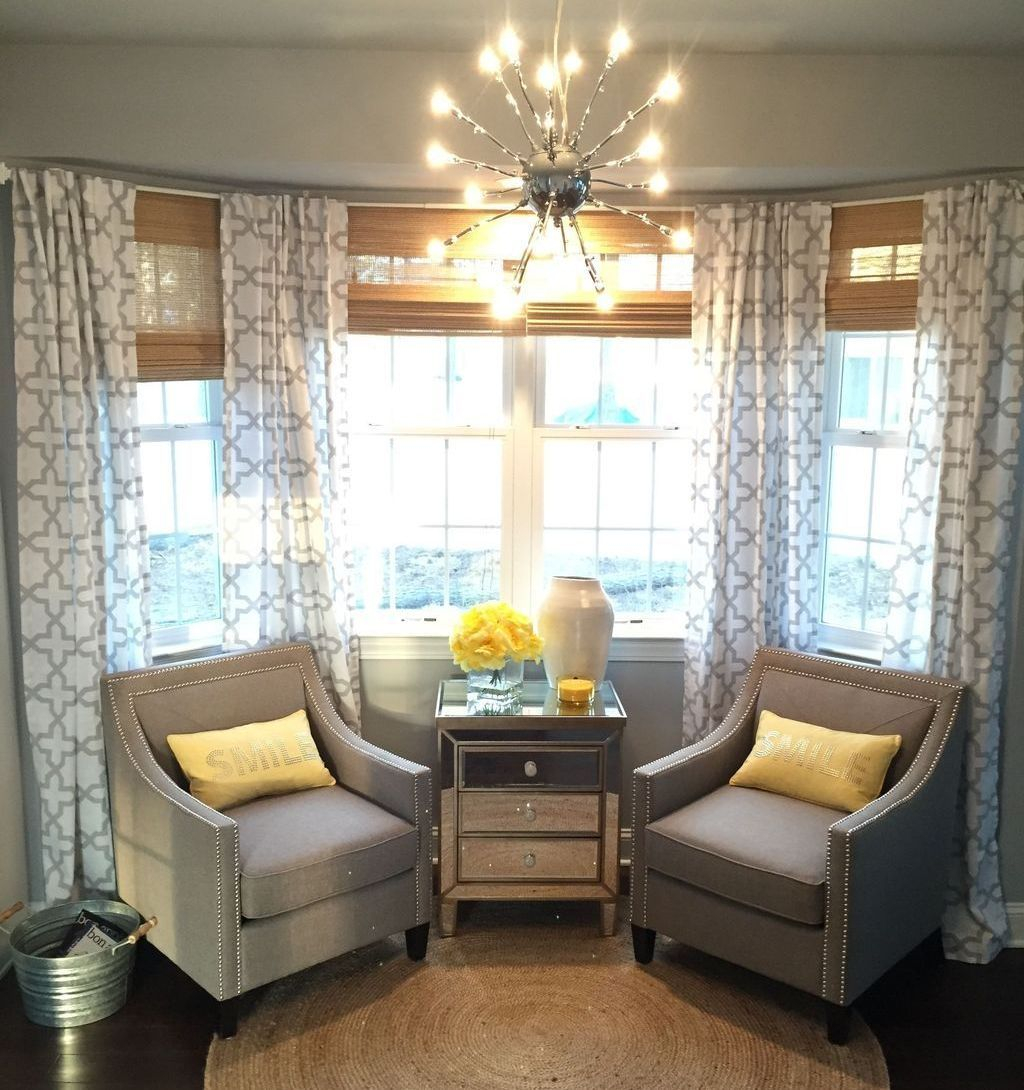 Inexpensive Living Room Curtain Design Ideas On A Budget 35