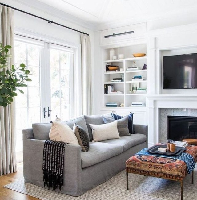 Inexpensive Living Room Curtain Design Ideas On A Budget 37