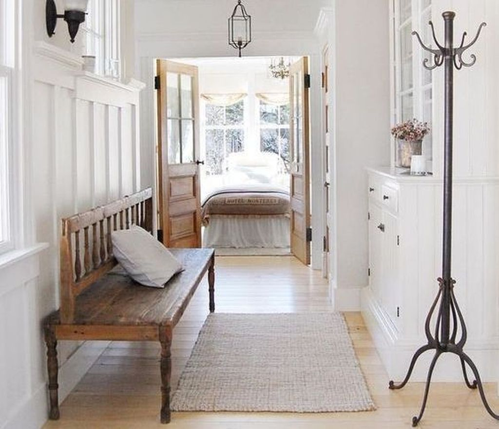 Splendid Entryway Home Décor Ideas That Make Your Place Look Cool 26