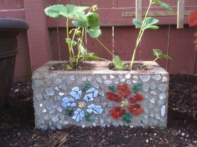 Stylish Garden Design Ideas With Cinder Block To Try 07