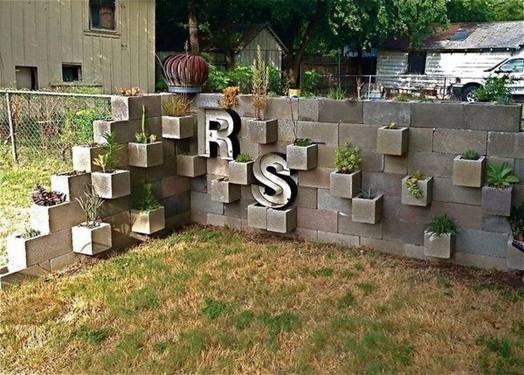 Stylish Garden Design Ideas With Cinder Block To Try 12