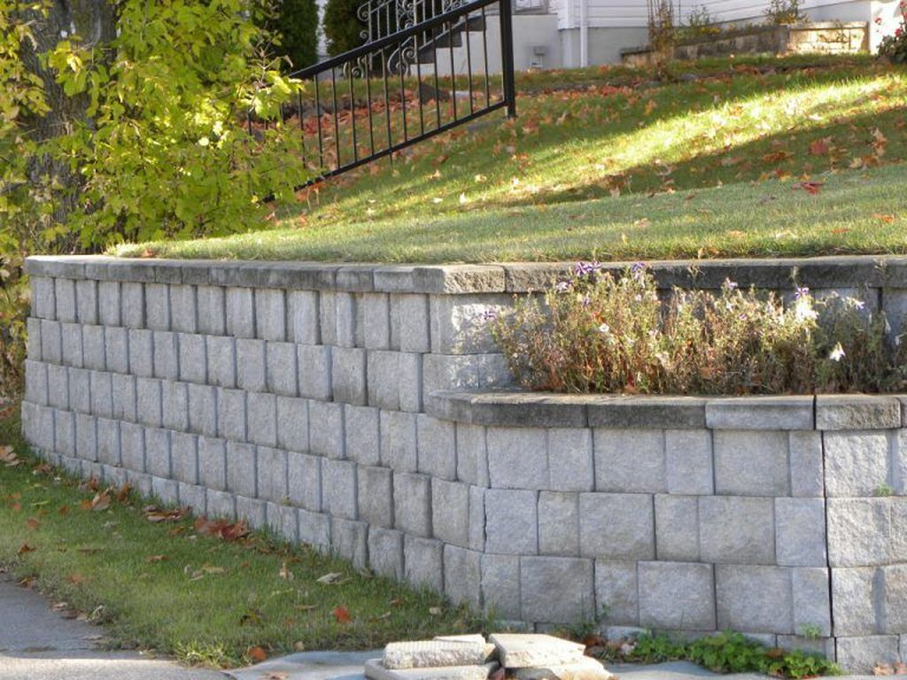 Stylish Garden Design Ideas With Cinder Block To Try 21