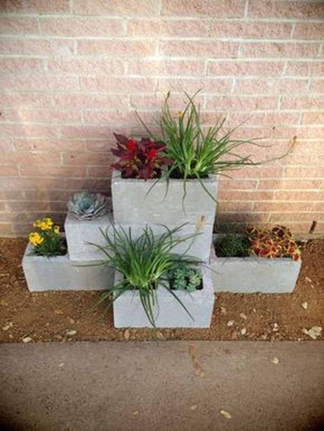 Stylish Garden Design Ideas With Cinder Block To Try 25