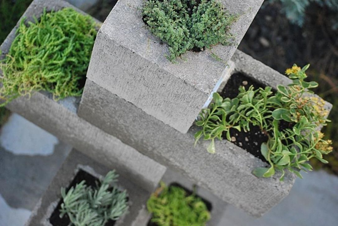 Stylish Garden Design Ideas With Cinder Block To Try 27