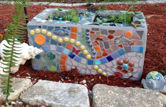 Stylish Garden Design Ideas With Cinder Block To Try 29