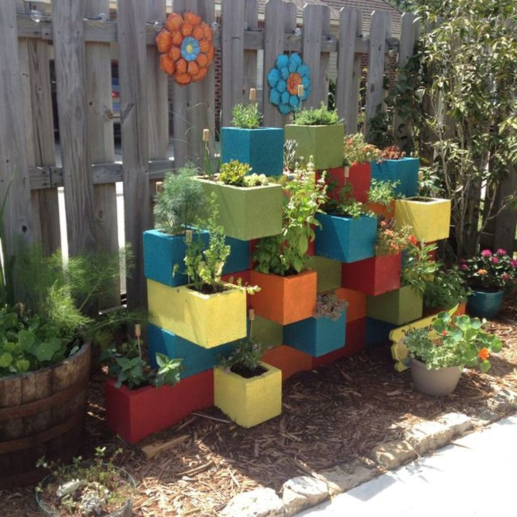 Stylish Garden Design Ideas With Cinder Block To Try 33