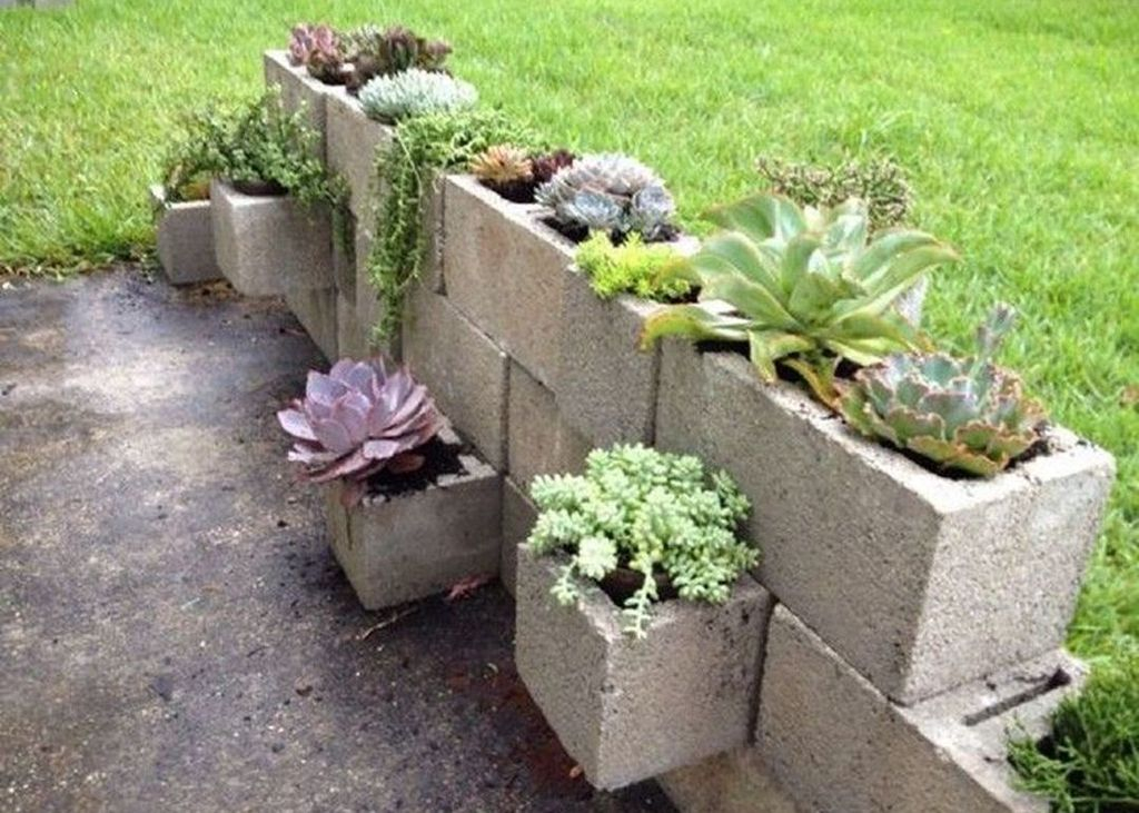 Stylish Garden Design Ideas With Cinder Block To Try 35