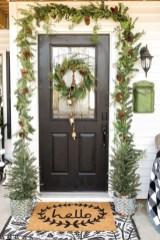 Unique Christmas Decoration Ideas For Front Porch 01