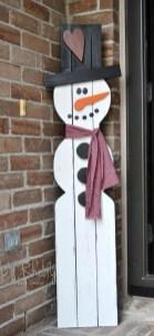 Unique Christmas Decoration Ideas For Front Porch 13