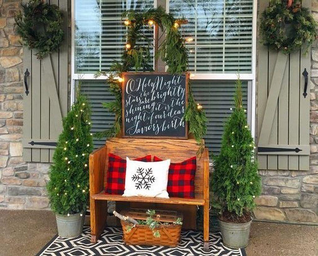 Unique Christmas Decoration Ideas For Front Porch 24