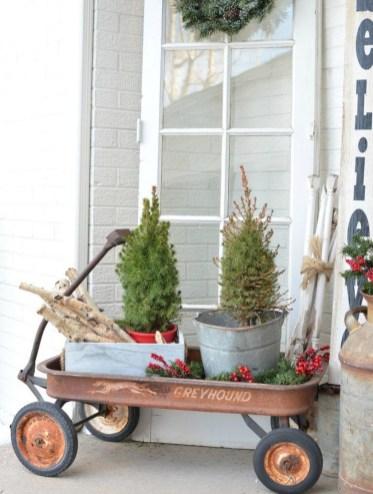 Unique Christmas Decoration Ideas For Front Porch 36