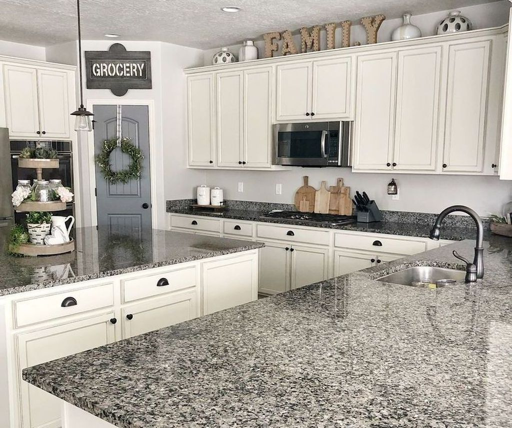 Adorable Kitchen Cabinet Ideas That Looks Neat To Try 13